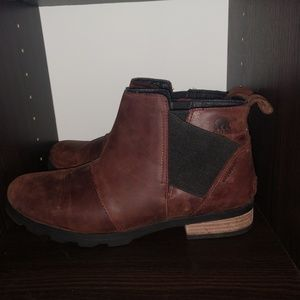 Sorel Emelia Chelsea Boots